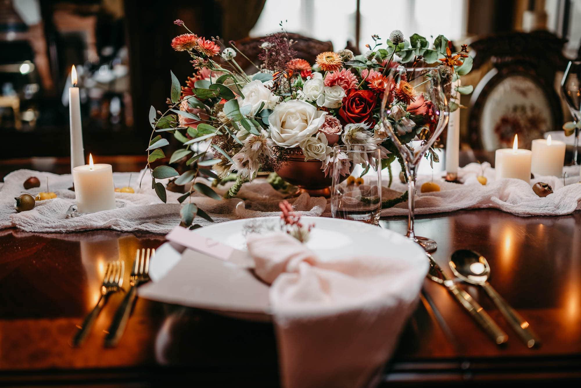 Hochzeit-Schloss-Lieser-Mosel-Tischdekoration